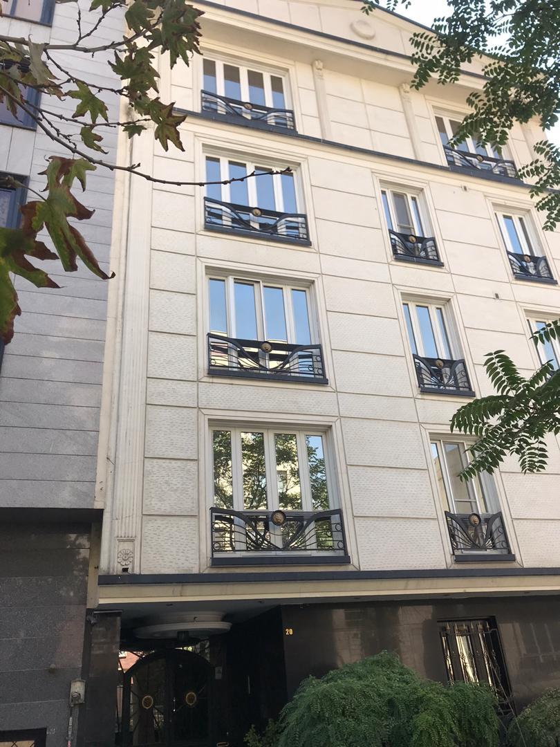 آپارتمان ۹۰ متری پاسداران